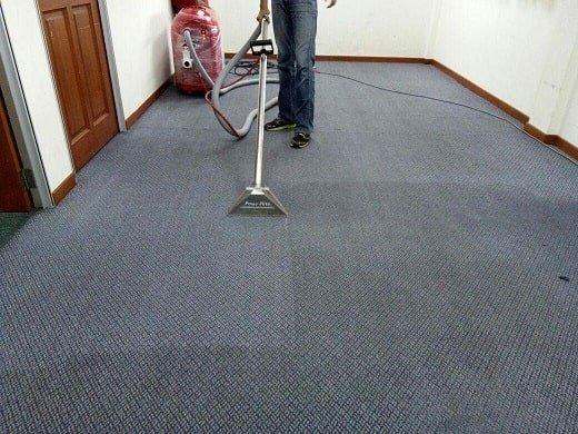 שירות ניקוי שטיחים מקצועי